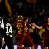 Roma vence a la Juventus y no renuncia a la Champions