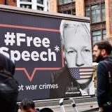 Justicia sueca reabre caso por presunta violación contra Assange
