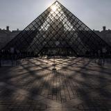 Museo de Louvre fue cerrado por falta de personal y agentes de seguridad