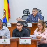 Miembros de la mesa directiva en la sesión de ayer.