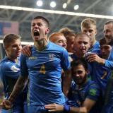 Popov celebrando un gol.