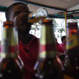 """Undeco, """"satisfecho"""" por decisión de la Corte de tumbar norma que prohibía ingerir licor en vía pública"""