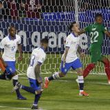 Brasil golea 3-0 a Bolivia en el primer partido de la Copa América