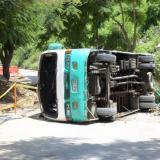 En video | Dieciséis heridos al accidentarse bus escolar