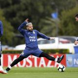 Sergio Agúero y Lionel Messi durante una práctica.