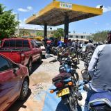 En video | Continúan las largas filas en las estaciones de gasolina de La Guajira
