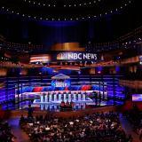 Políticos de EEUU buscan el voto hispano sin hablar una sola palabra en español