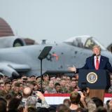 El presidente norteamericano se dirige a los militares.