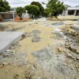 Denuncian retraso en pavimentación en barrio Las Palmas