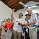 El alcalde Ramírez corta la cinta en la Academia.