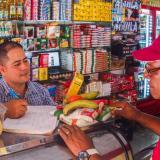 El 'fiao': el as que salva a las tiendas