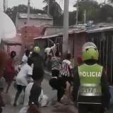 En video | Enfrentamiento a piedras en Rebolo causa destrozos en viviendas