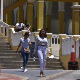 Estudiantes salen de la primera jornada de las Pruebas Saber 11 en el Instituto La Salle.