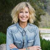 En video | Olivia Newton-John confiesa que el cáncer le hizo metástasis, pero confía en que va a superarlo