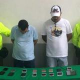 Policía incauta 57 celulares sin documentación legal y captura a dos personas