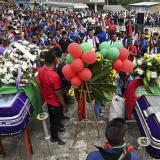 En video | Miedo y tristeza: indígenas despiden a dos de sus líderes asesinados en Cauca