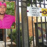 El cuerpo del docente Carlos Mazo seguía ayer en Medicina Legal de Montería.