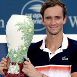 Medvedev se corona al vencer a Goffin