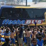 Boca viaja a enfrentarse con River en bus blindado