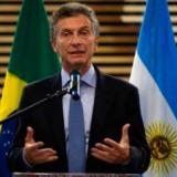 Caen mercados por reestructuración de deuda en Argentina