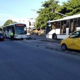 Imprudencias en carril de Transmetro causan cuatro accidentes en una semana