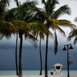 Dorian avanza hacia EEUU como una peligrosa tormenta de categoría dos