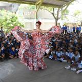 Isabella Chams declamó en colegio Meira Delmar
