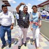 La directora del Icbf, Juliana Pungiluppi, y el gerente de Capital Social, Óscar Pantoja recorren el Centro de Desarrollo Infantil de Villa Estadio.