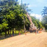Operarios de Electricaribe adelantan labores de mantenimiento en Luruaco.