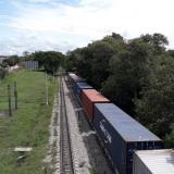 El tren que partió de Santa Marta llegará a la 9 de la noche de hoy a La Dorada (Caldas). Luego retoma la ruta con destino Sta Marta.