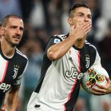 Cristiano celebra el tanto que anotó de penal.