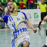 Anthony de la Ossa celebra con euforia su gol, que significó la clasificación.