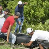 Dos heridos tras caer en su moto por barranco en la Vía al Mar