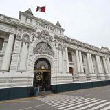 Cinco claves para entender  la crisis política en Perú