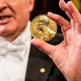 El Nobel de Literatura otorgará dos premios para recuperar su prestigio