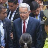 No me invento testigos, sino que corroboro información: Uribe