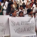 Arhuacos exigieron con pancartas que se vuelva a hacer el preconteo de los votos de las elecciones del pasado domingo 27 de octubre.