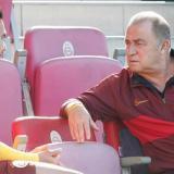 Falcao García conversando con el DT Fatih Terim.