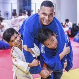 Juan Pablo (centro), Juan Lucas (izquierda) y Juan Sebastián  Ruiz Guerrero entrenan unidos para ser grandes en el judo.
