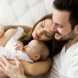 Padres podrán definir el orden de apellidos de sus hijos: Corte