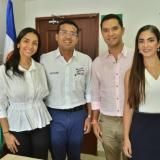 Tanto el mandatario Augusto Ramírez, como el electo Mello Castro, han prometido trabajar juntos para el desarrollo de Valledupar. A la primera reunión los acompañaron las gestoras sociales Lisbeth Rosado y Laura Sierra.