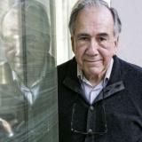 El poeta español Joan Margarit gana el premio Cervantes