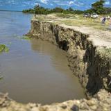 Estado que presenta el tramo de la vía entre Salamina y El Piñón. En el último año el río se ha llevado 150 metros de terraplén.