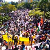 Manifestantes se mantienen en el Paseo de Bolívar