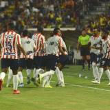 Los jugadores de Junior celebrando el gol de Germán Mera en el primer tiempo.
