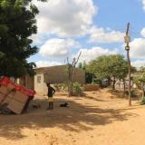 Repelonero muere electrocutado traer caer de un poste artesanal en Riohacha