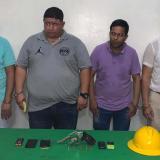 Los cuatro capturados por porte ilegal de armas de fuego, a quienes les fue frustrado un supuesto asalto.