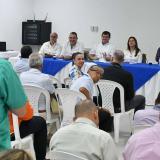 En la mesa participan miembros de la Asociación Colombiana de Seguridad y el Superintendente de Vigilancia y Seguridad Privada, Orlando Clavijo.