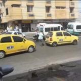 En video | Intolerancia en el norte de Barranquilla: taxista le parte el vidrio a un colega