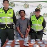 Capturan un hombre por robarse reductores de velocidad en Sabanagrande